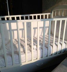 Кроватка papaloni и пелинальный столик