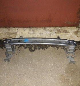 Усилитель переднего бампера Форд Мондео 4
