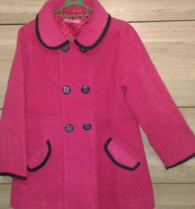 Пальто осеннее теплое на девочку 5-6 лет