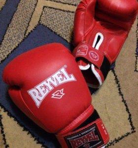 Продам перчатки боксёрские брал в S-Sport