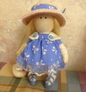 Текстильная кукла с утенком