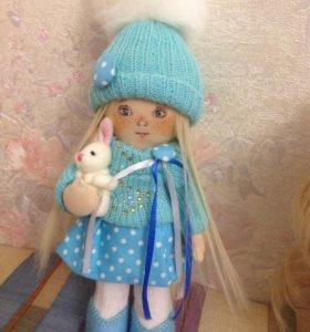 Текстильная кукла в голубом