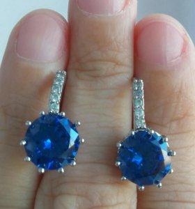 Серебрянные сережки с синим кварцем и фианитами