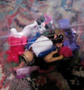 Коробка маленьких игрушек