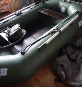 Лодку ПВХ «НЕПТУН» 260 с транцем