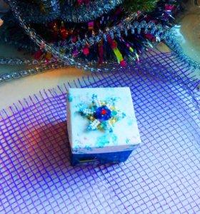 Новогодняя подарочная коробочка