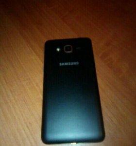 Продам телефон SAMSUNG J2