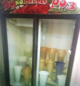 Холодильник для торговли цветами