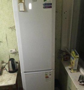 Холодильник ((beko))
