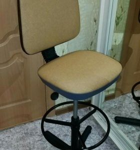 Барный стул с доставкой на дом.
