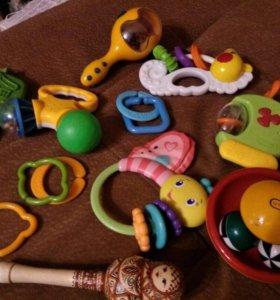 Фирменные игрушки комплектом