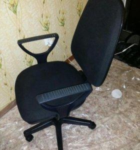 Компьютерное кресло с доставкой на дом.