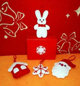 Комплекты новогодних игрушек