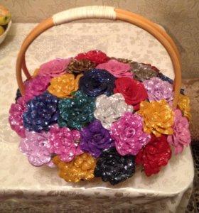 Корзина с цветами из бисера