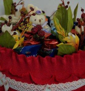 Букеты из конфет и игрушек, топиарий