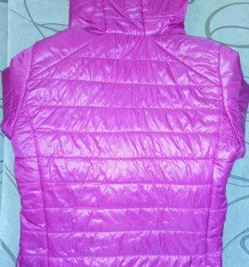Новая женская тёплая куртка Бершка
