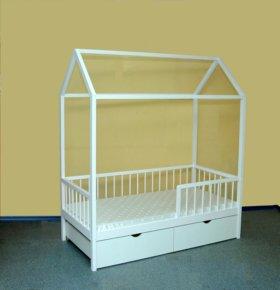 Кроватка -домик с матрасом