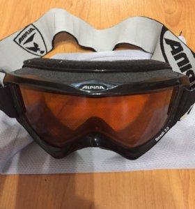Шлем и очки горнолыжные