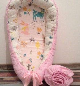 Комплект гнездышко для новорожденного и простынь