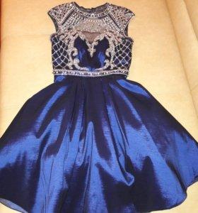 Платье вечернее . Размер 42-44