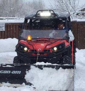 Отвал для снега на BRP Comander Super Duty.