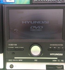 Мультимедийный центр Хундай с монитором 8дюймов