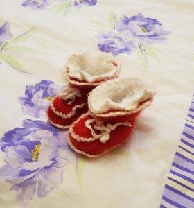 Носки и пинетки вязаные