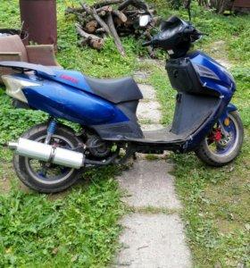 Скутер irbis 150 куб. 2013 года.