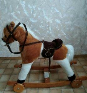 Деревянная детская лошадка