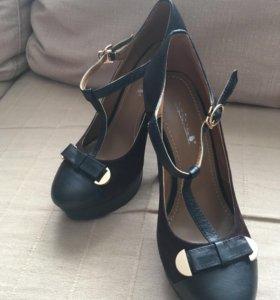 Туфли на высоком каблуке