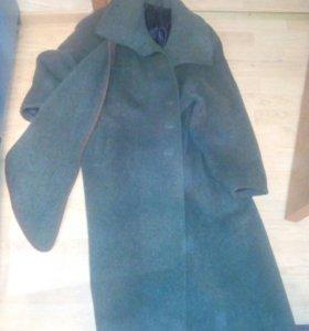 Пальто темнозеленое