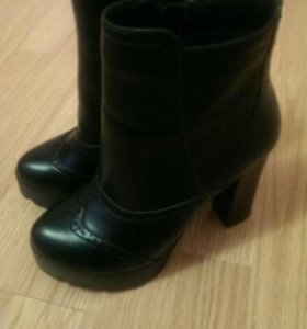 Ботинки, полусапожки 35 размер