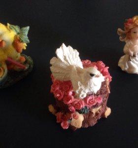 Сувениры игрушки статуэтки