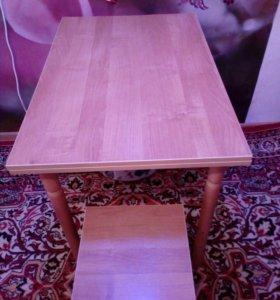 Стол кухонный с табуреткой