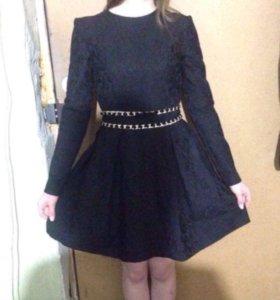 Кружевное платье Love Republic