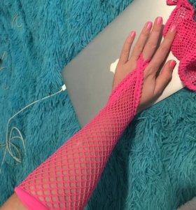 Такие вот штуки на руки!😍 Ярко-розовые. Митенки.