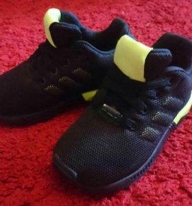 Детские кроссовки Adidas 22размер