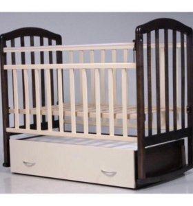 кроватка с матрасом и комплектом