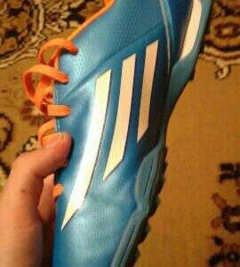 Бутсы Adidas. 38 размер
