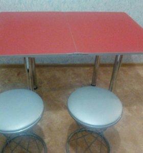 Обеденный стол + 2 стула