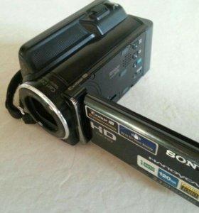 Продаю видеокамеру Sony HDR-XR150