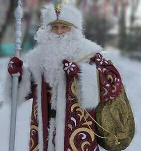 Настоящий Дед Мороз к вам во двор, на каток.