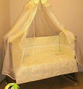 Комплект постельного белья для кроватки
