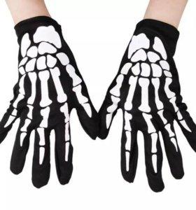 Перчатки с рисунком Скелет