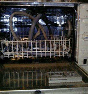 Посуда Моющая машина.