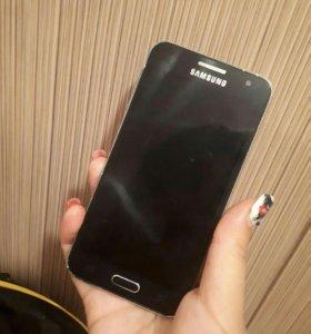 Продаю Samsung a3.