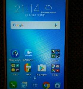 Смартфон ASUS ZC520TL