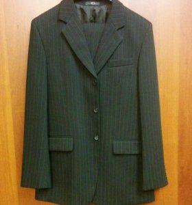 Костюм: пиджак и брюки