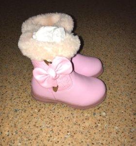 Зимние детские сапожки для девочки
