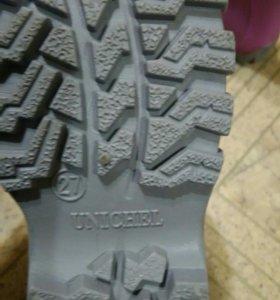 Продам новые резиновые сапоги